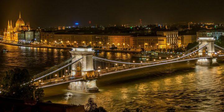 Vol Alger Budapest aller retour à 24000 dinars avec Air France